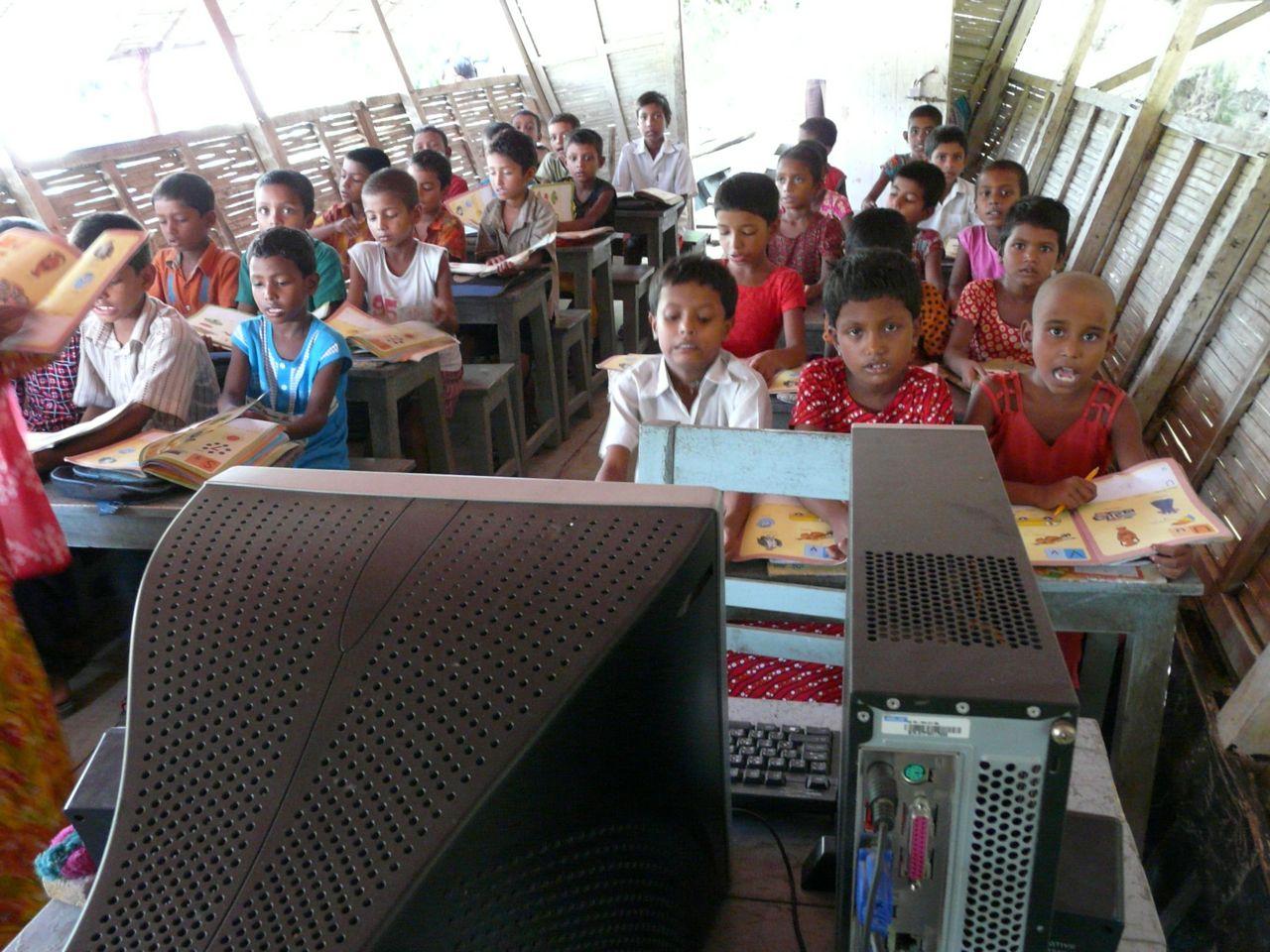 Solar Panels For Boats >> Bangladesh: School Boats Foster Hope | Pulitzer Center