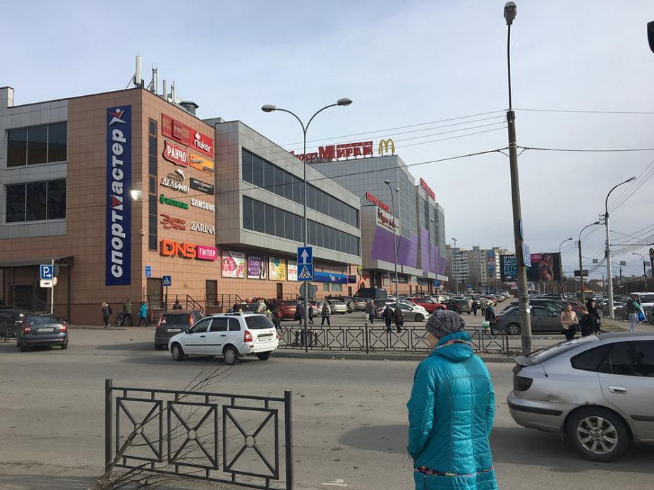 McDonald's and more at this Arctic shopping center Murmansk, Russia. Image by Amy Martin. Russia, 2018.