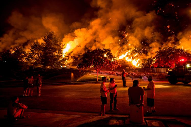 AZUSA, CALIF. Residents watching the Ranch 2 Fire. Image by Meridith Kohut. United States, 2020.
