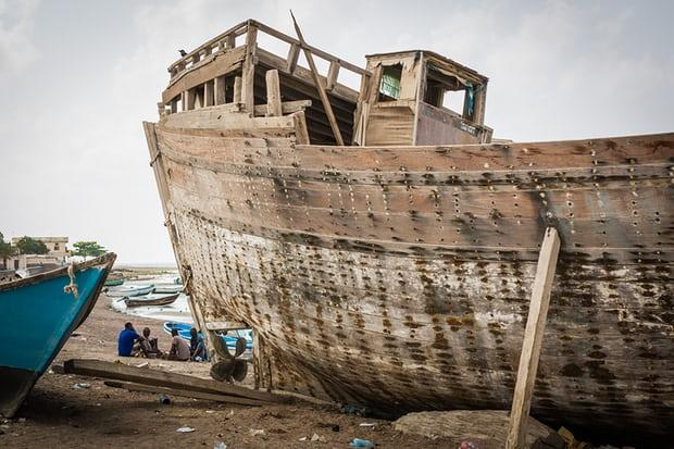 The fishing village of Tadjoura, a hub for Ethiopian migrants crossing to wartorn Yemen, and for Yemeni refugees fleeing in the other direction. Image by Charlie Rosser. Djibouti, 2018.