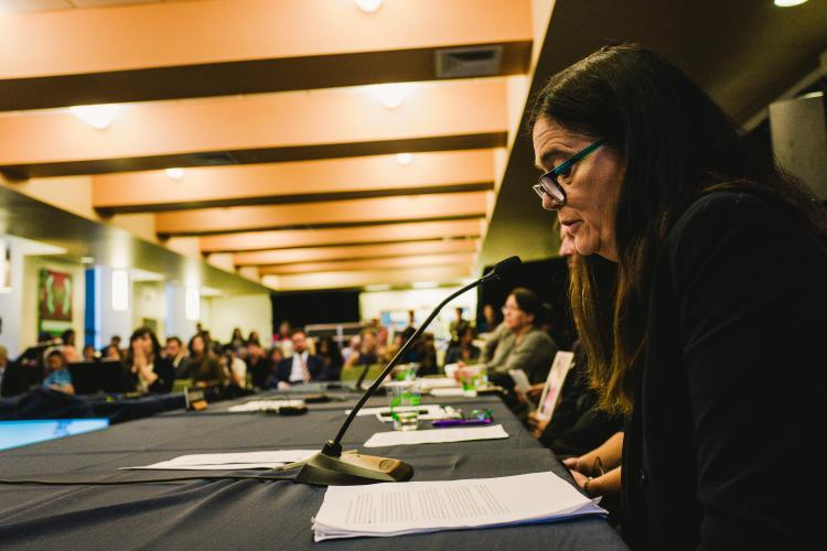 Mercedes Doretti, co-founder of the Argentine Forensic Group, speaks at the conference. Image courtesy of the Commission Inter-Americana de Derechos Humanos. United States, 2018.