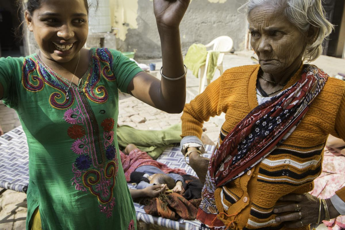 India widow women in Landless and